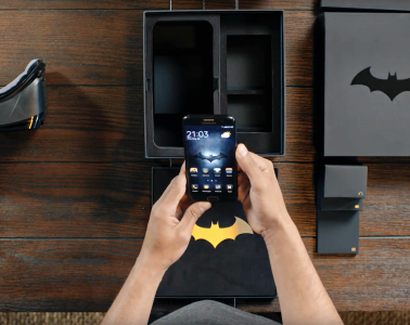 Samsung-Galaxy-S7-Edge-Injustice-Edition-unboxing-2