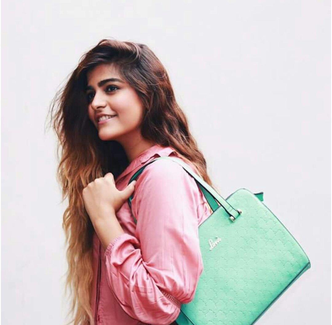 kritika khurana-fashion blogger