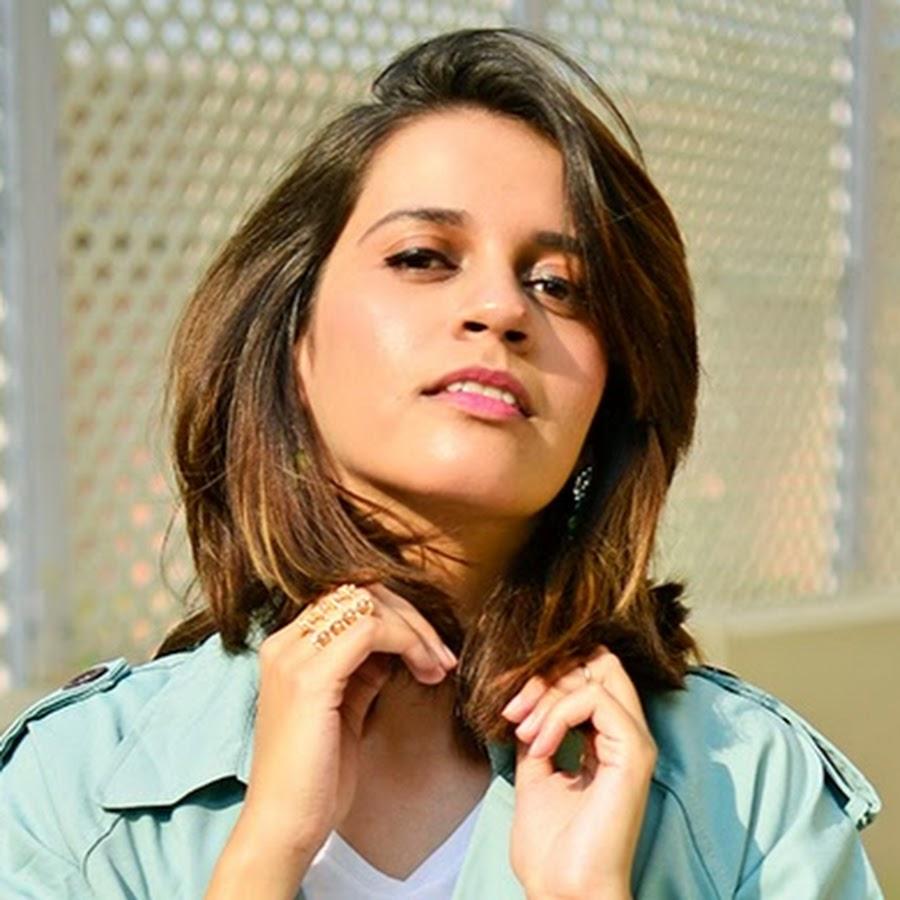 Akanksha redhu- fashion microblogger