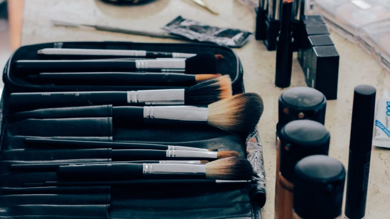 Top 7 Makeup YouTube Channels for Best Beauty hacks and tricks