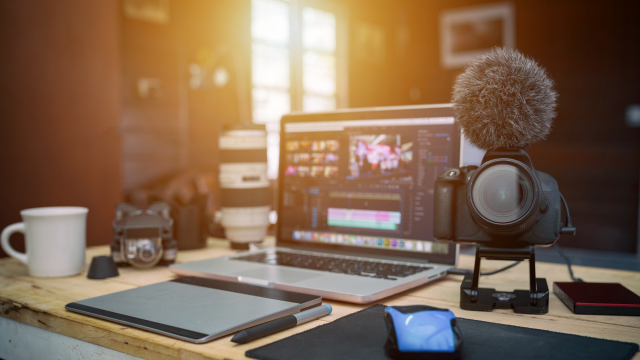 Top 7 Career YouTube Channels to Follow In 2021 For a Bright Future