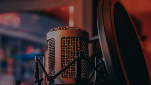 Blog Vs Podcast: Which One's Best for your Business and Brand